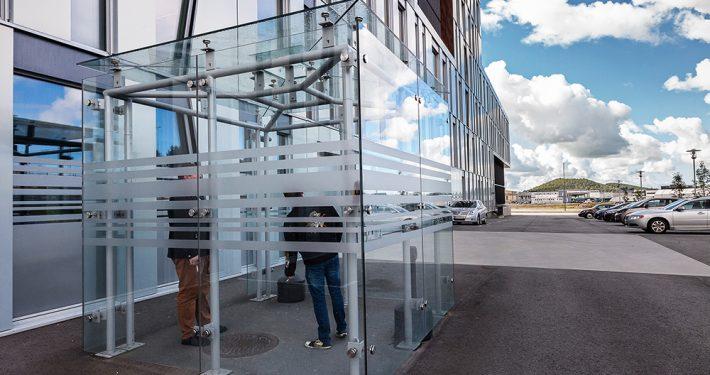 Uteskur av glass. Foto: ©Otto von Munchow