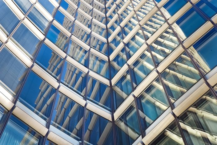 Glassbygning. Foto: Pixabay