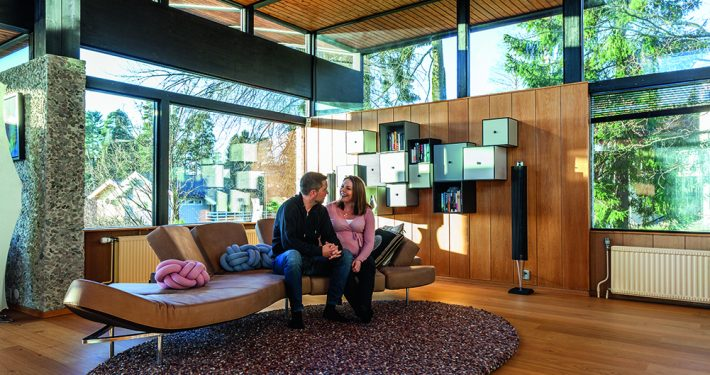 Glass & Fasade: Holmenkollen Rehabilitering. Vinduer med 3-lagsglass med to energibelegg og argongassfylling. Foto: ©Adam Stirling