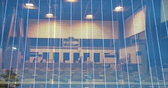 Glass med solceller Pilkington Sunplus