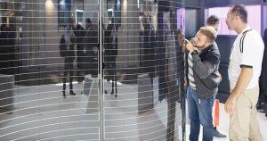 Foto av Integrerte solceller fra Glasstec 2016.